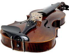 Suzuki Violin comes with shoulder and all accessories