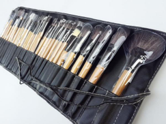 Other 32 Pieces Makeup Brushes Set Professional Kit for Faces Eyes Eyeshadow Eyeliner Foundation Blush Lip Bronzer with Pouch Case Burlywood