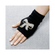 Generic Lovely Cartoon Animals Pattern Skull Winter Rivet Gloves Women Warm Knitted Diamonds Sequins Cool Fingerless Dancing Gloves G10116